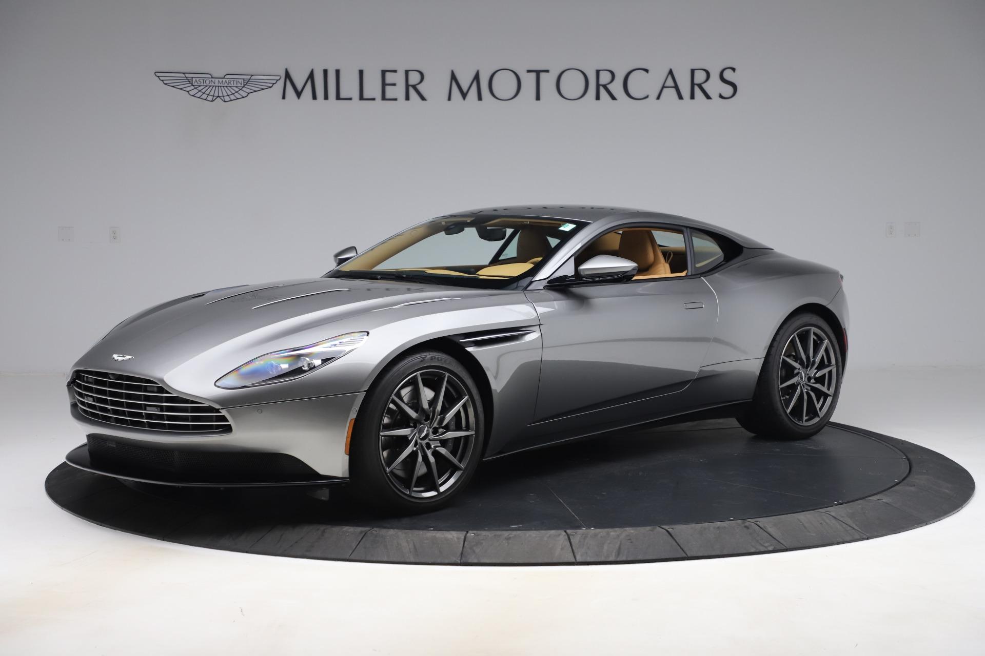 Used 2017 Aston Martin DB11 V12 Coupe for sale $149,990 at McLaren Greenwich in Greenwich CT 06830 1