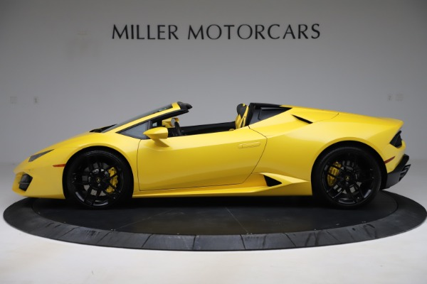 Used 2018 Lamborghini Huracan LP 580-2 Spyder for sale $203,900 at McLaren Greenwich in Greenwich CT 06830 3