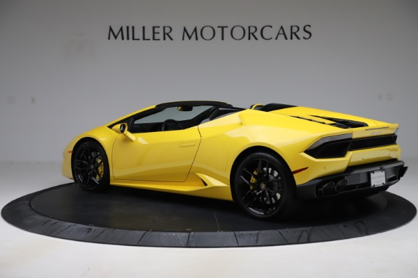 Used 2018 Lamborghini Huracan LP 580-2 Spyder for sale $203,900 at McLaren Greenwich in Greenwich CT 06830 4