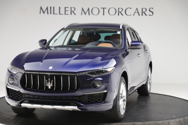 New 2019 Maserati Levante GranLusso for sale $94,640 at McLaren Greenwich in Greenwich CT 06830 1