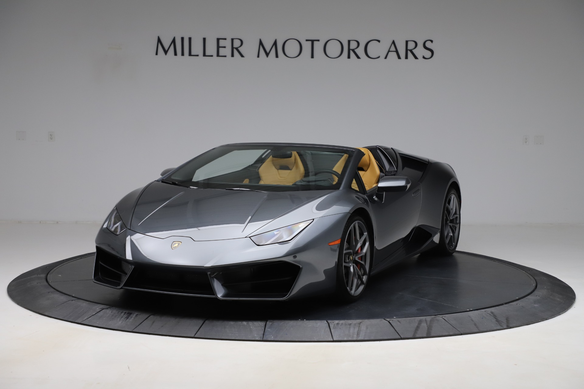 Used 2018 Lamborghini Huracan LP 580-2 Spyder for sale Sold at McLaren Greenwich in Greenwich CT 06830 1