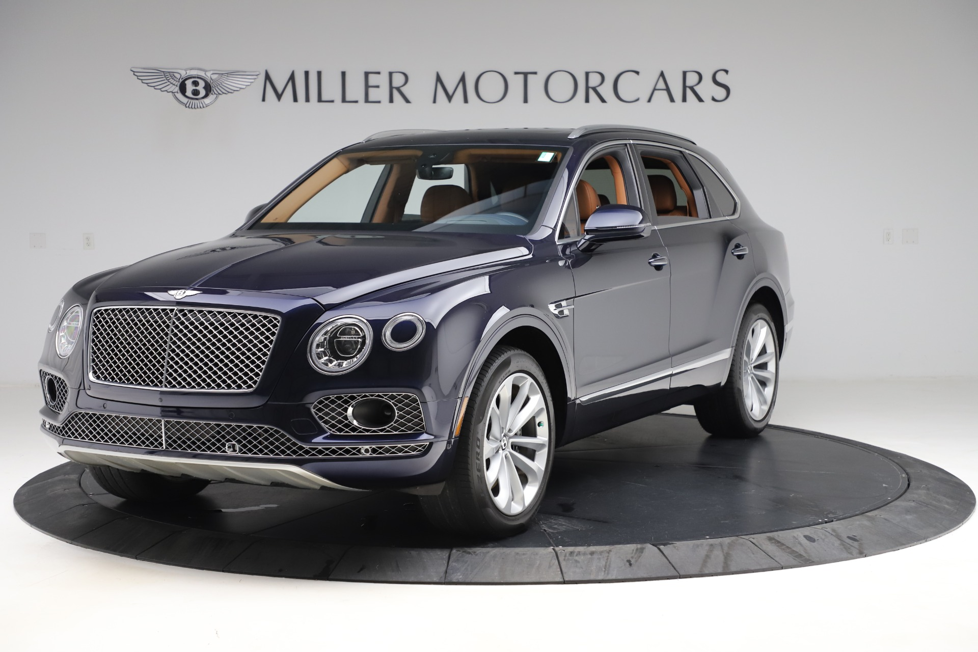 Used 2017 Bentley Bentayga W12 for sale $135,900 at McLaren Greenwich in Greenwich CT 06830 1