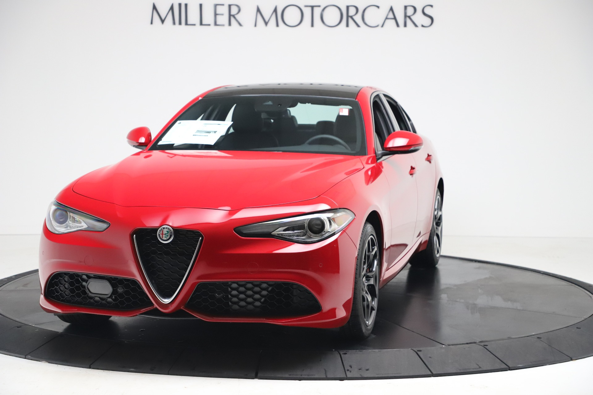 New 2020 Alfa Romeo Giulia Sport Q4 for sale $47,790 at McLaren Greenwich in Greenwich CT 06830 1