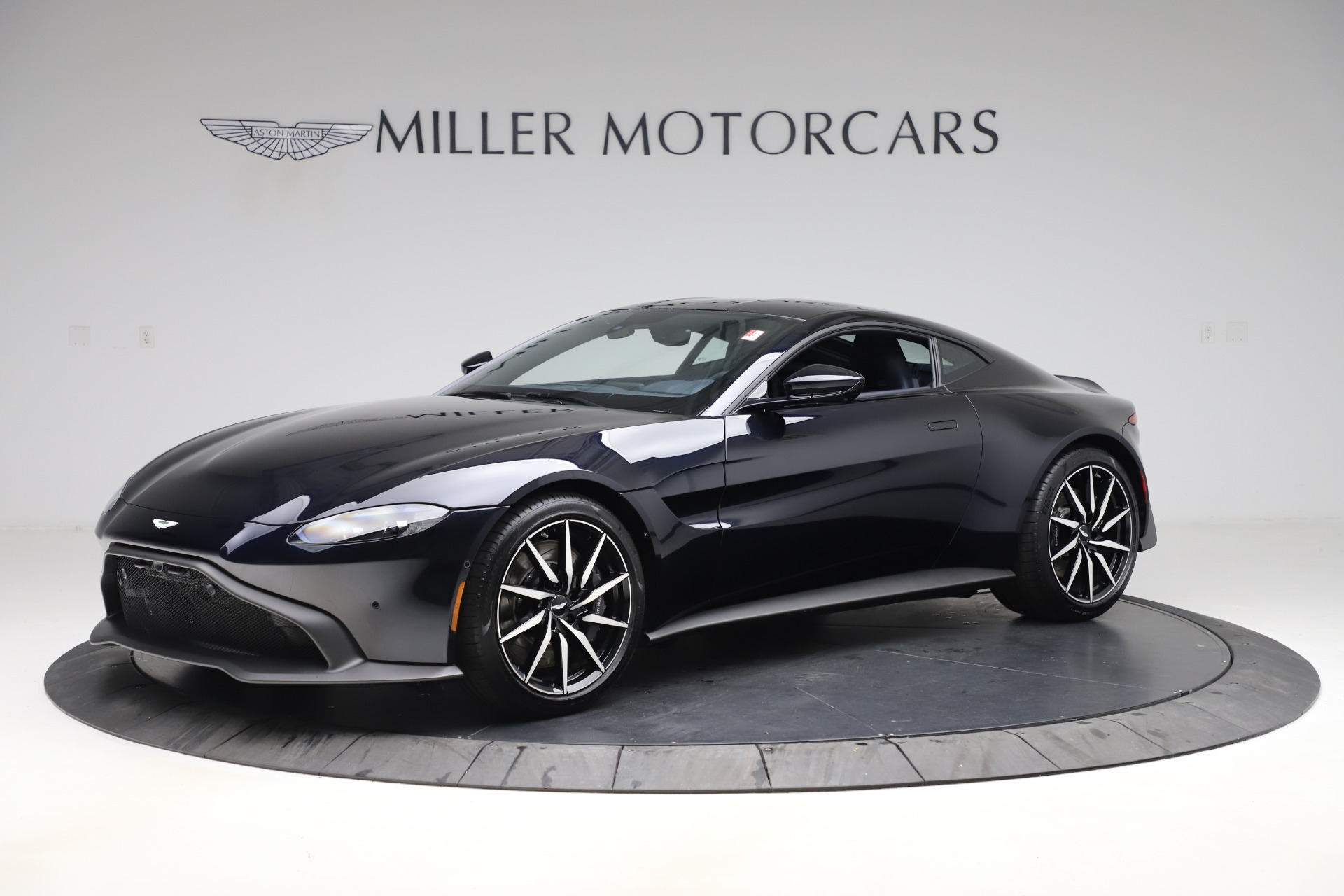 New 2020 Aston Martin Vantage Coupe For Sale 177 609 Mclaren Greenwich Stock A1465