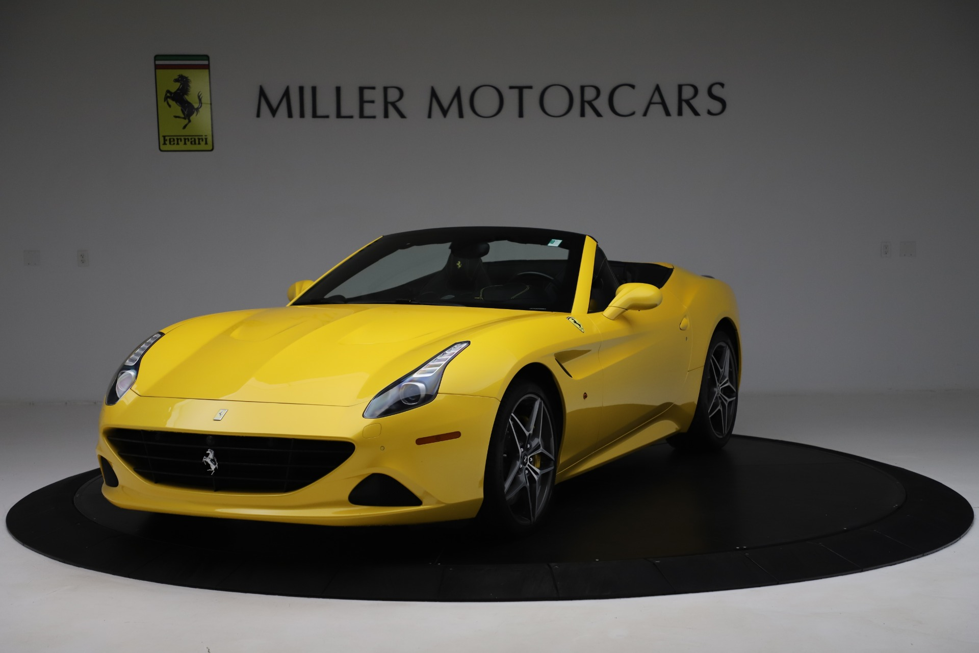 Used 2015 Ferrari California T for sale Sold at McLaren Greenwich in Greenwich CT 06830 1