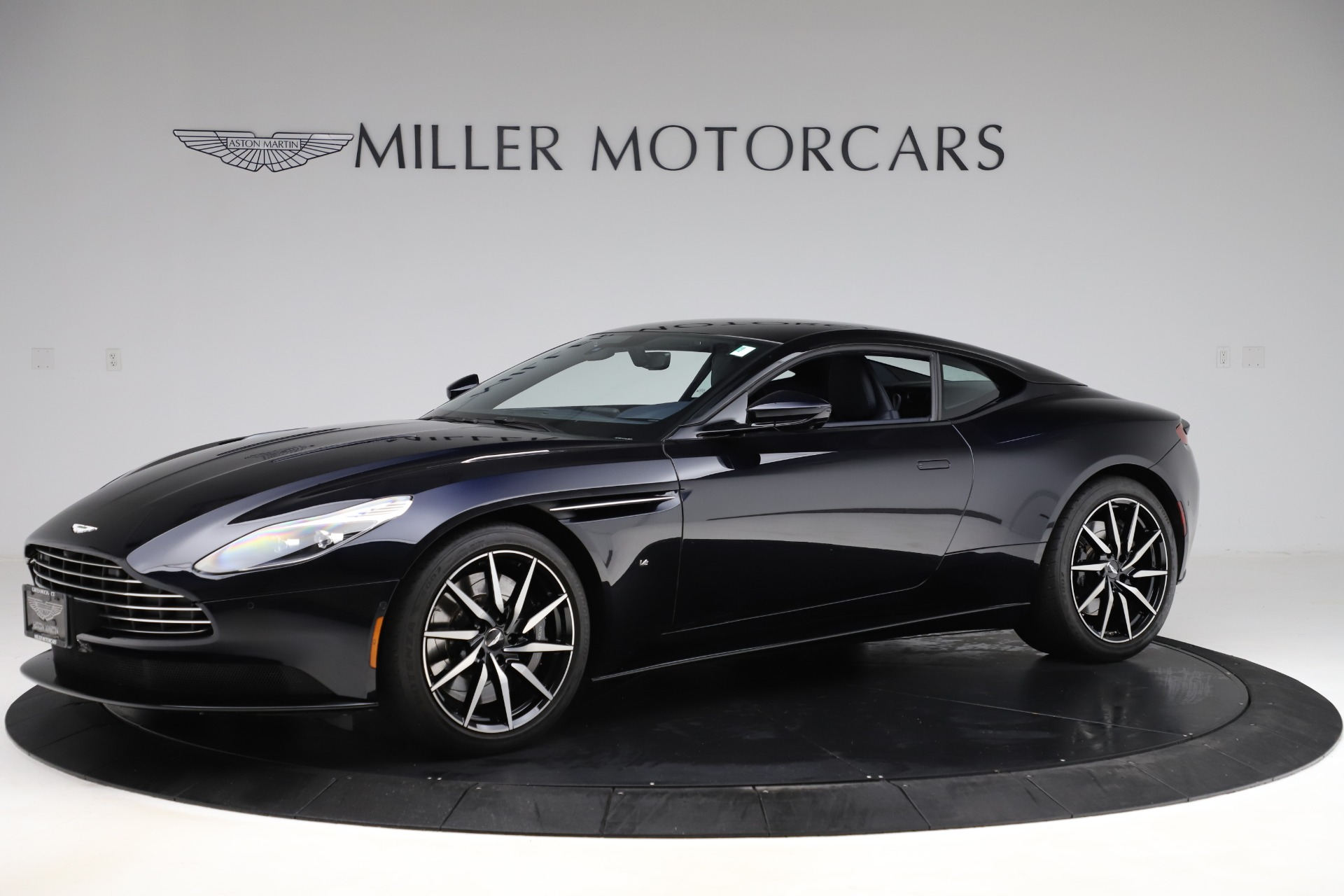 Used 2017 Aston Martin DB11 V12 for sale $129,900 at McLaren Greenwich in Greenwich CT 06830 1