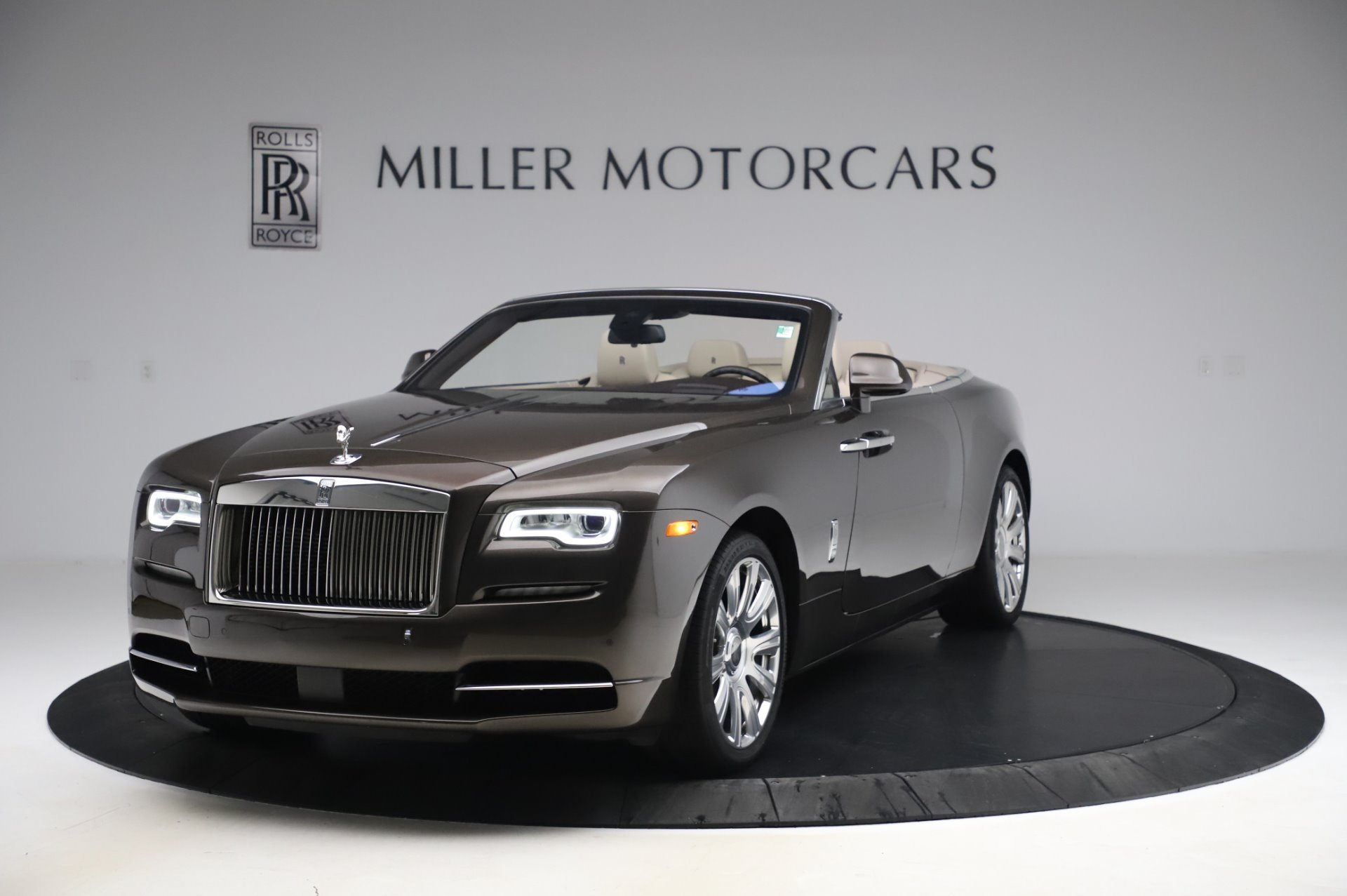 Used 2017 Rolls-Royce Dawn Base for sale $248,900 at McLaren Greenwich in Greenwich CT 06830 1