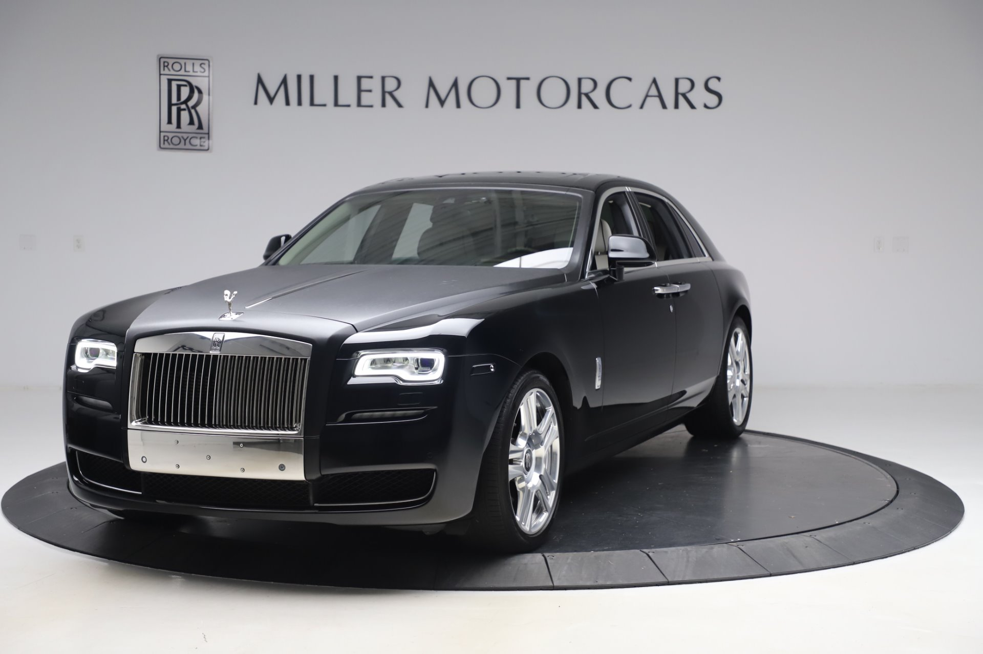 Used 2015 Rolls-Royce Ghost Base for sale Call for price at McLaren Greenwich in Greenwich CT 06830 1