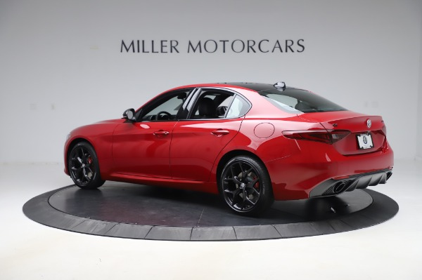 New 2020 Alfa Romeo Giulia Sport Q4 for sale $48,645 at McLaren Greenwich in Greenwich CT 06830 4