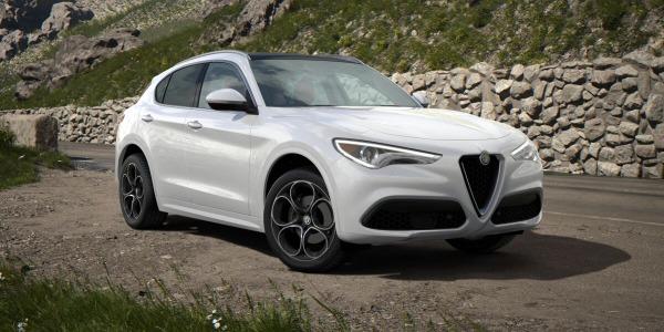 New 2020 Alfa Romeo Stelvio Ti Lusso Q4 for sale $54,145 at McLaren Greenwich in Greenwich CT 06830 2
