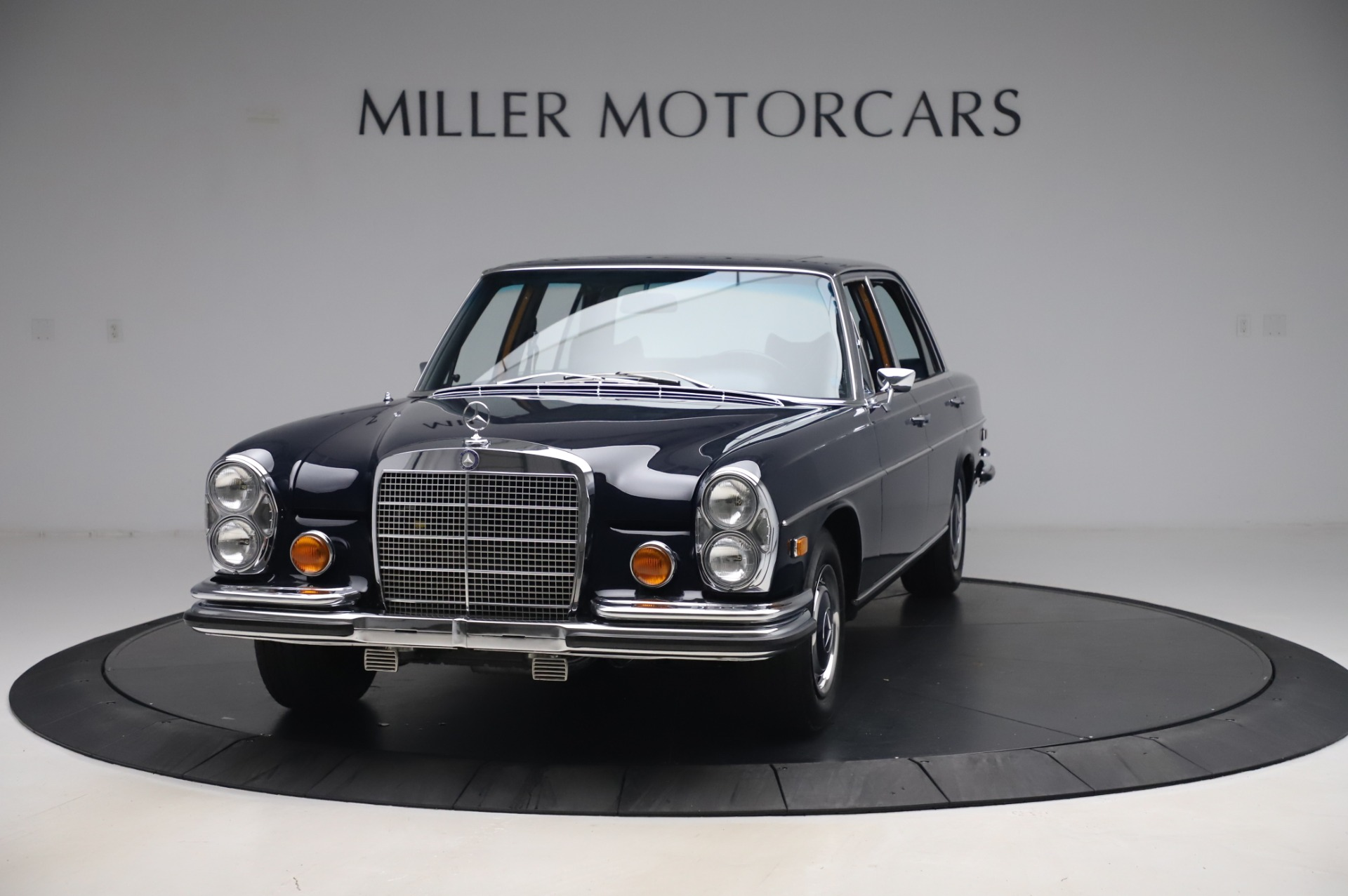 Used 1971 Mercedes-Benz 300 SEL 6.3 for sale $117,000 at McLaren Greenwich in Greenwich CT 06830 1