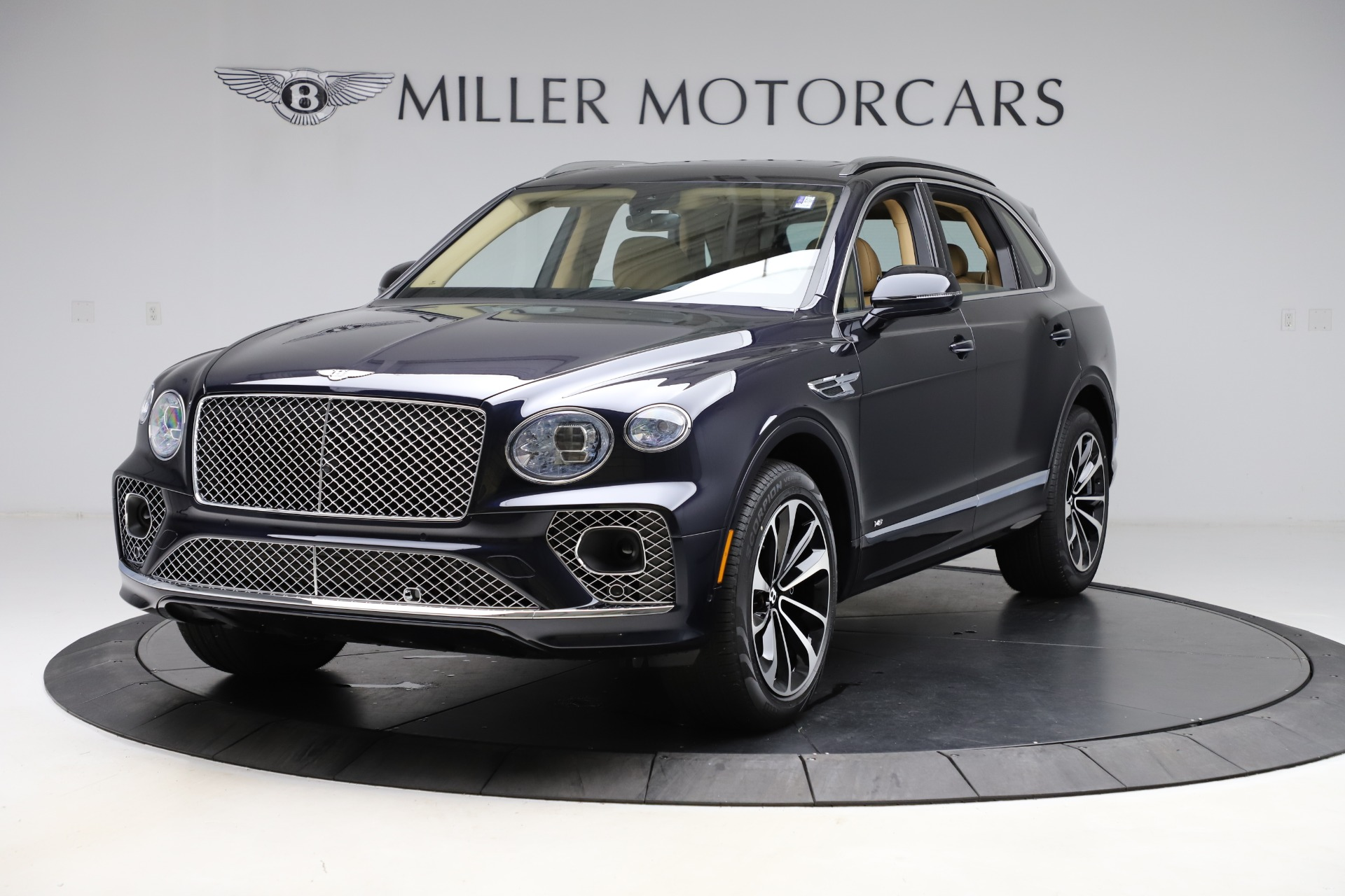 New 2021 Bentley Bentayga V8 for sale $209,755 at McLaren Greenwich in Greenwich CT 06830 1