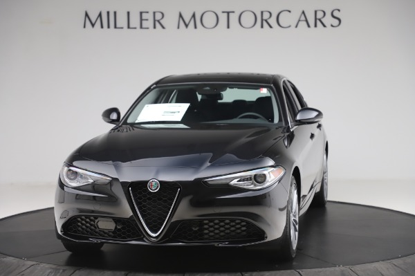 New 2020 Alfa Romeo Giulia Ti Lusso Q4 for sale $51,195 at McLaren Greenwich in Greenwich CT 06830 1