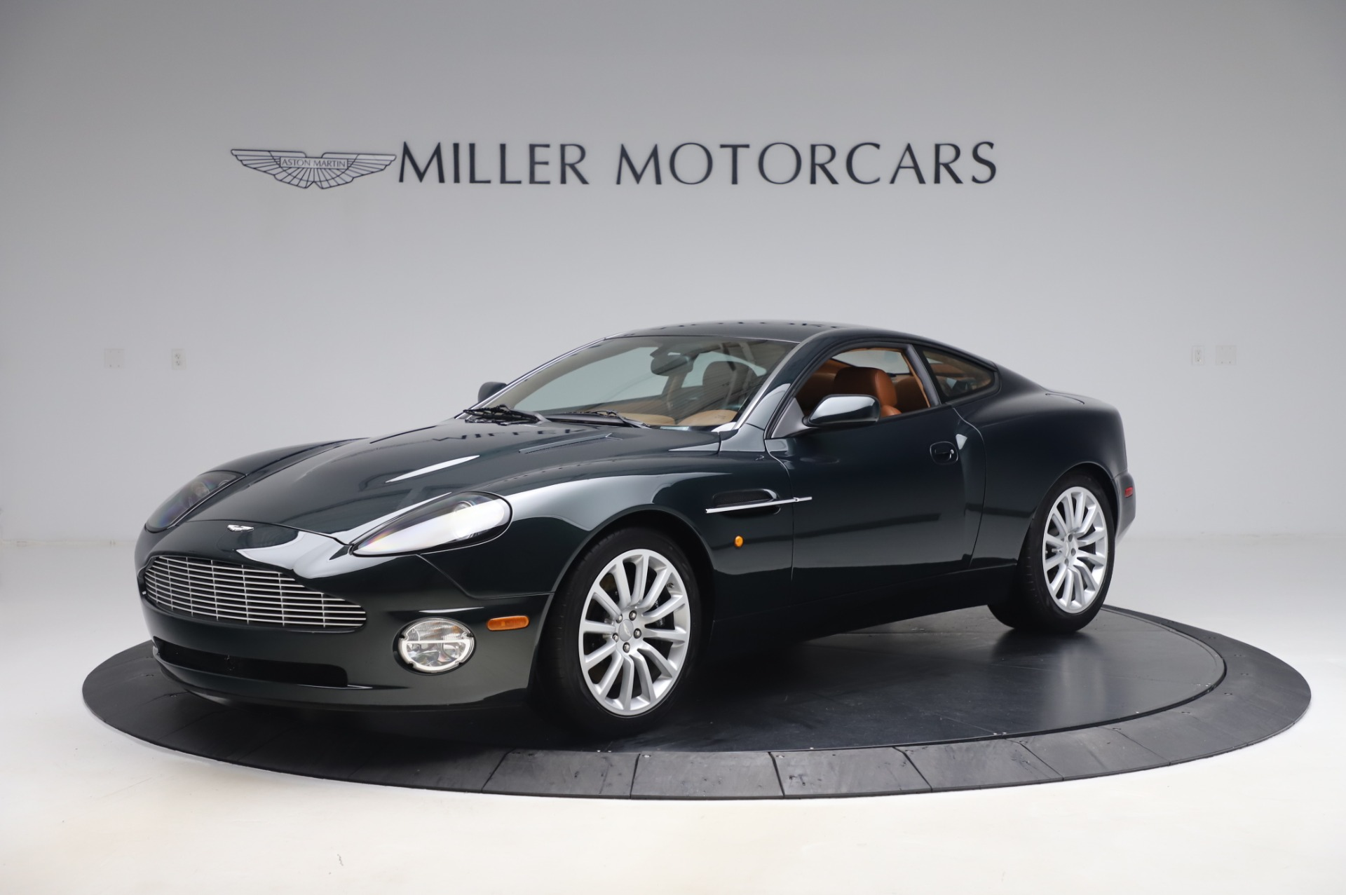 Used 2003 Aston Martin V12 Vanquish Coupe for sale $79,900 at McLaren Greenwich in Greenwich CT 06830 1