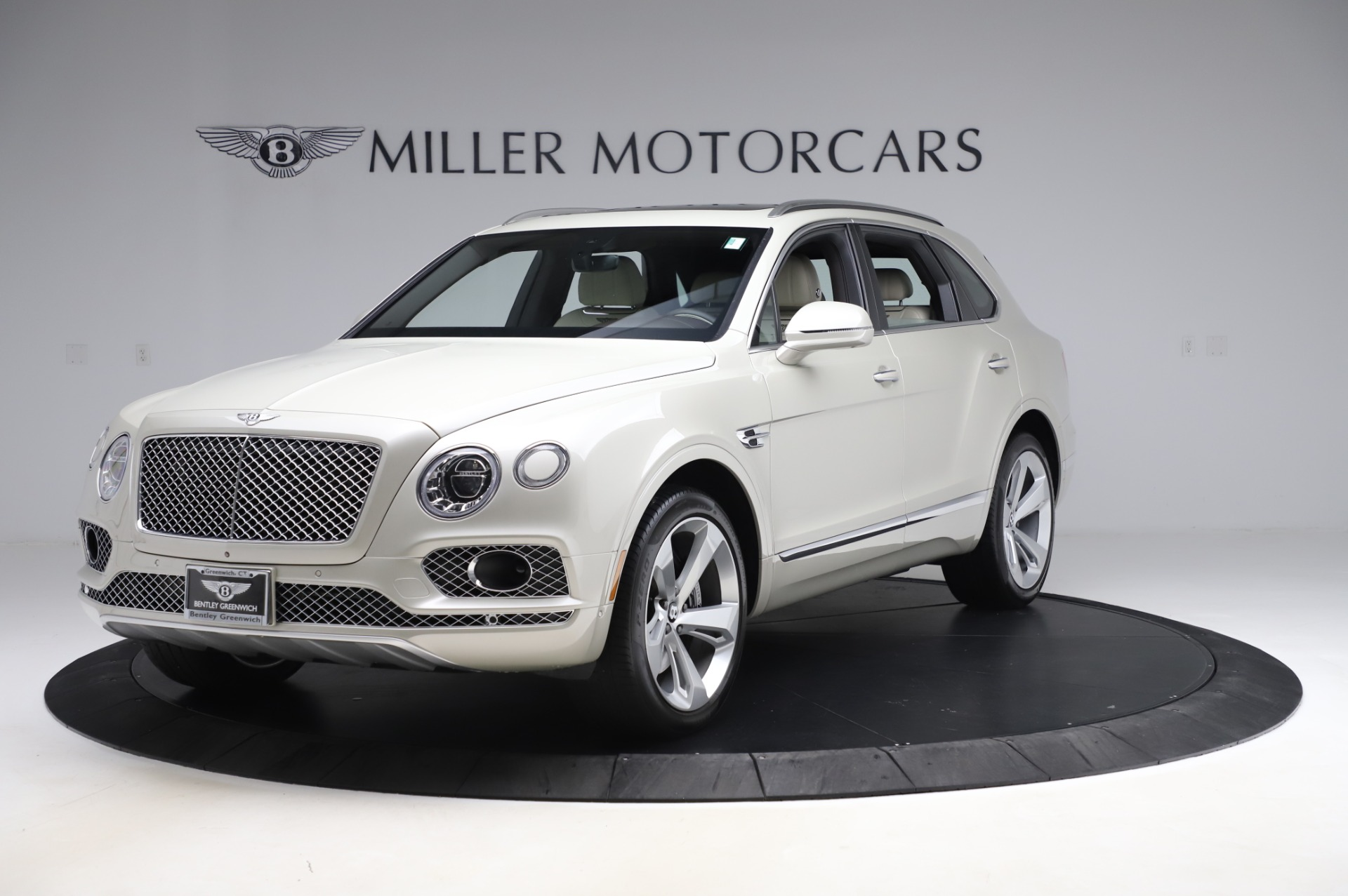 Used 2018 Bentley Bentayga Onyx Edition for sale Call for price at McLaren Greenwich in Greenwich CT 06830 1