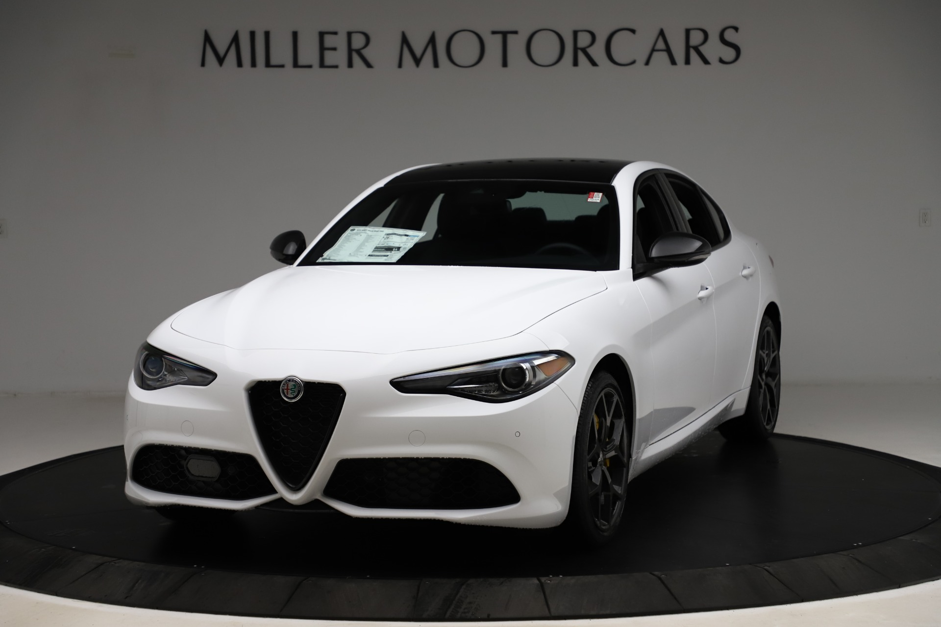 New 2020 Alfa Romeo Giulia Sport Q4 for sale $50,345 at McLaren Greenwich in Greenwich CT 06830 1