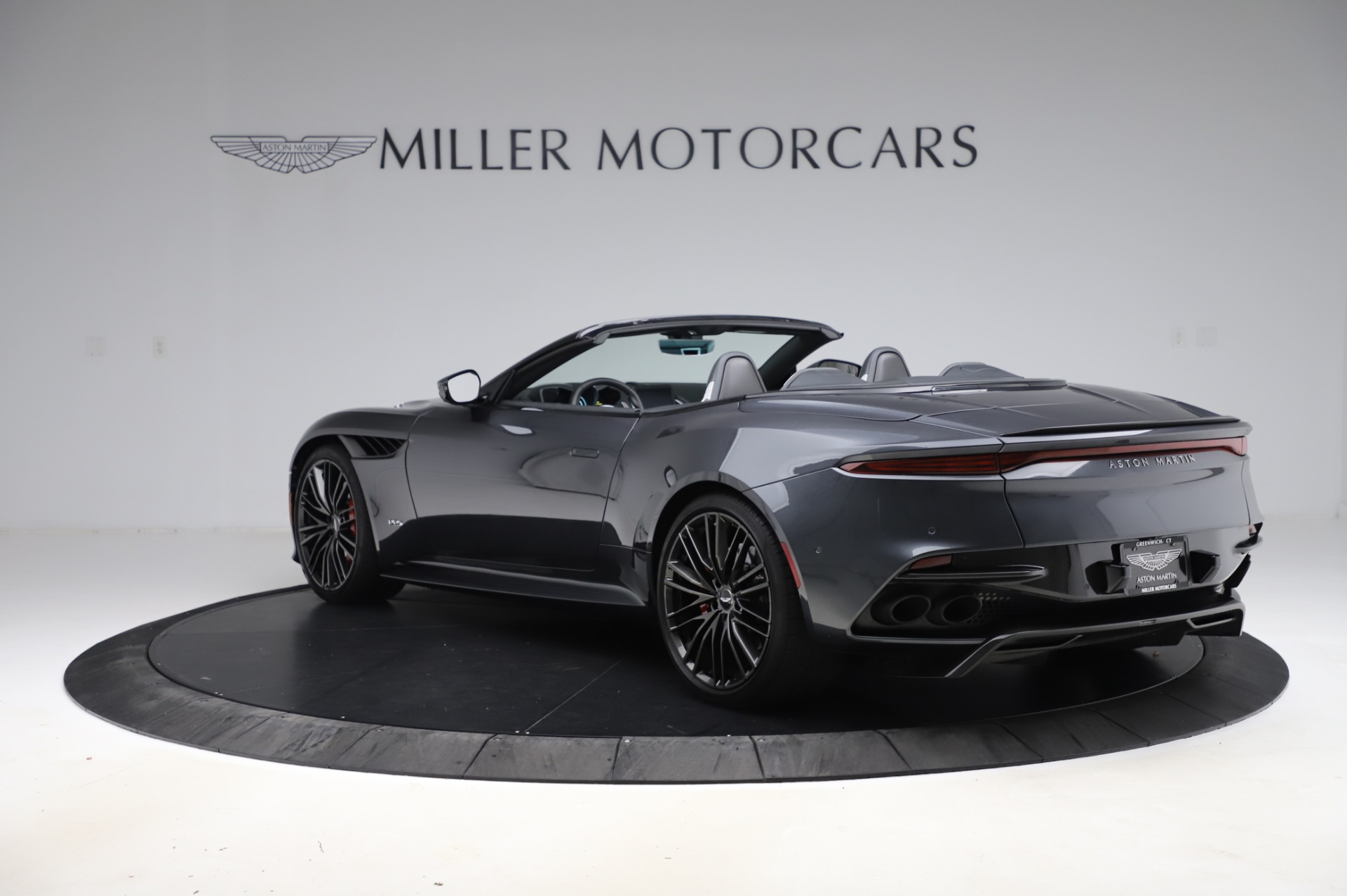 Pre Owned 2020 Aston Martin Dbs Superleggera Volante For Sale Special Pricing Mclaren Greenwich Stock A1505