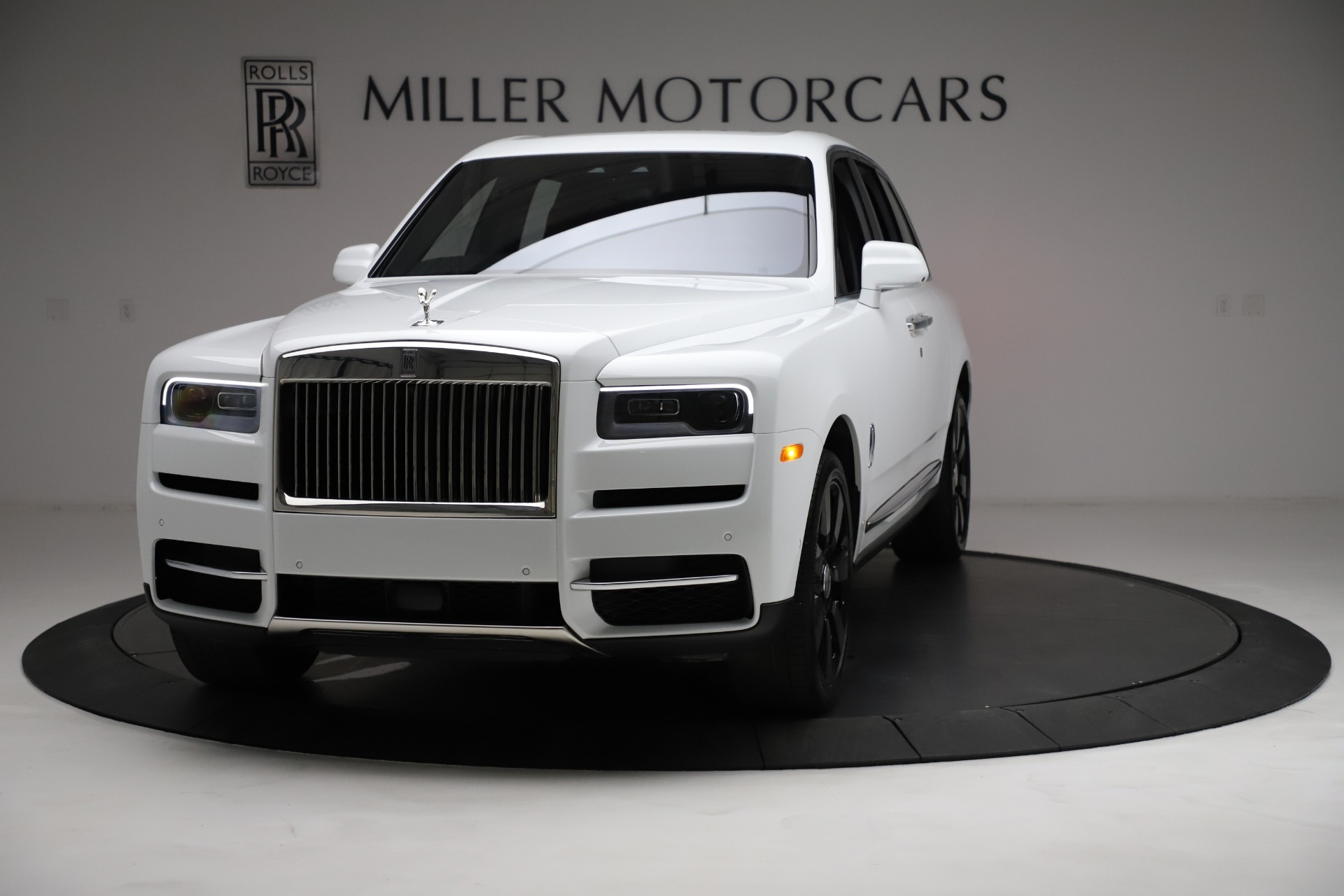 Used 2021 Rolls-Royce Cullinan for sale Sold at McLaren Greenwich in Greenwich CT 06830 1