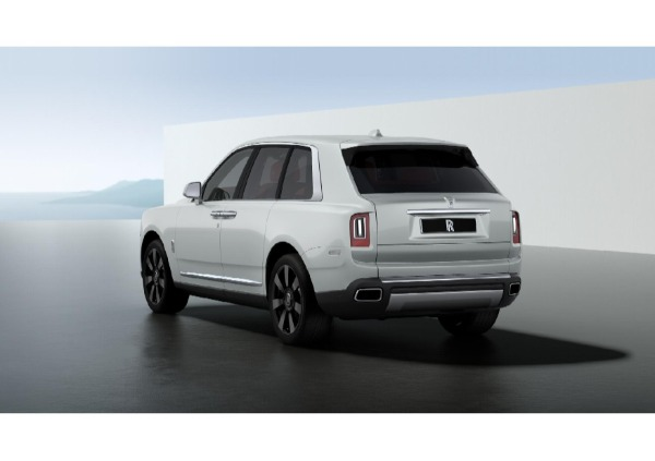 New 2021 Rolls-Royce Cullinan for sale $376,925 at McLaren Greenwich in Greenwich CT 06830 3