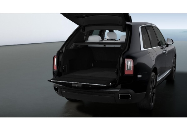 New 2021 Rolls-Royce Cullinan for sale $376,075 at McLaren Greenwich in Greenwich CT 06830 4