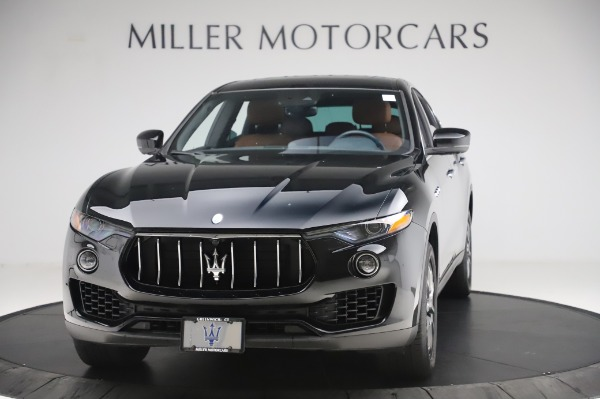 Used 2017 Maserati Levante Q4 for sale $51,900 at McLaren Greenwich in Greenwich CT 06830 1