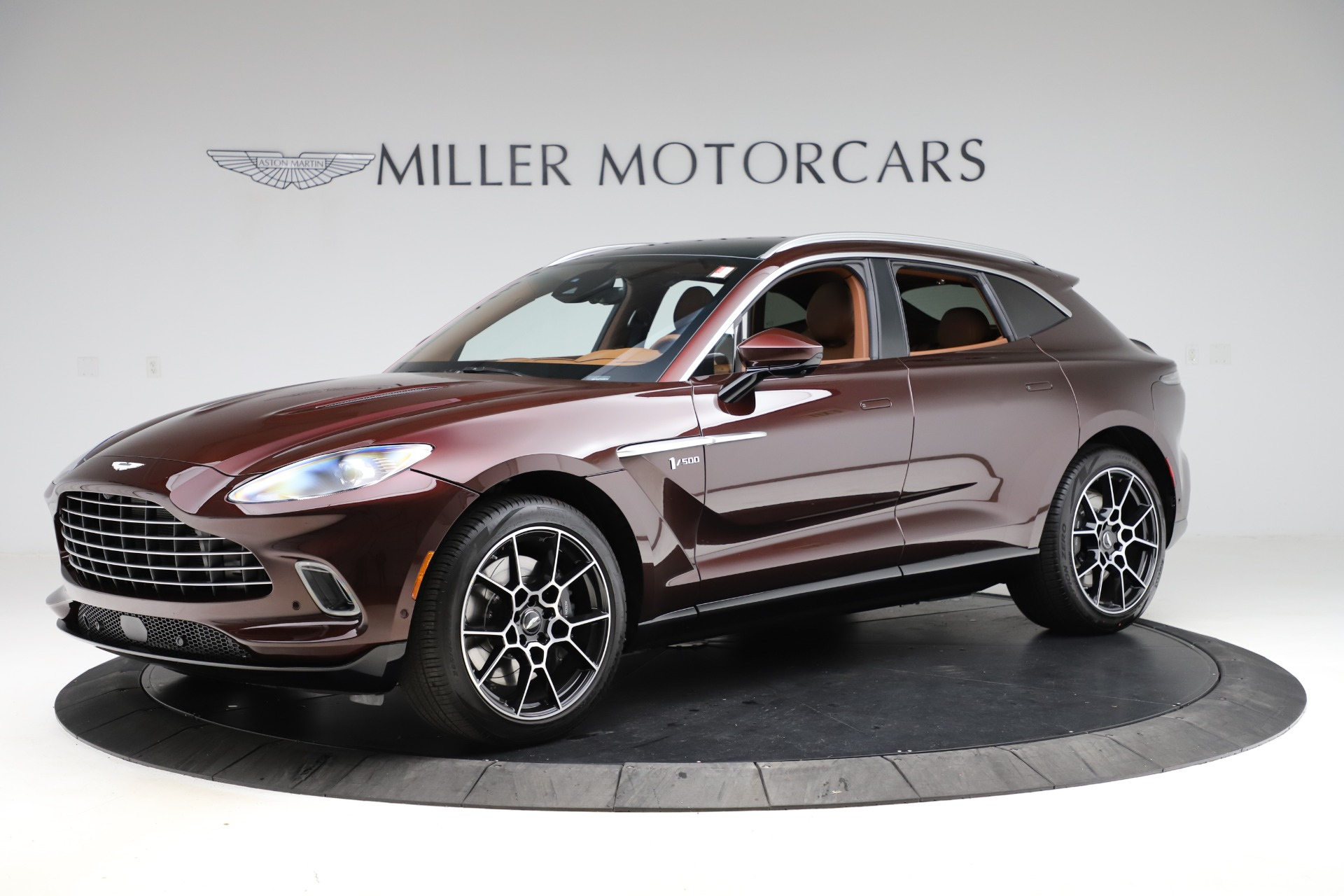 New 2021 Aston Martin DBX for sale $226,836 at McLaren Greenwich in Greenwich CT 06830 1