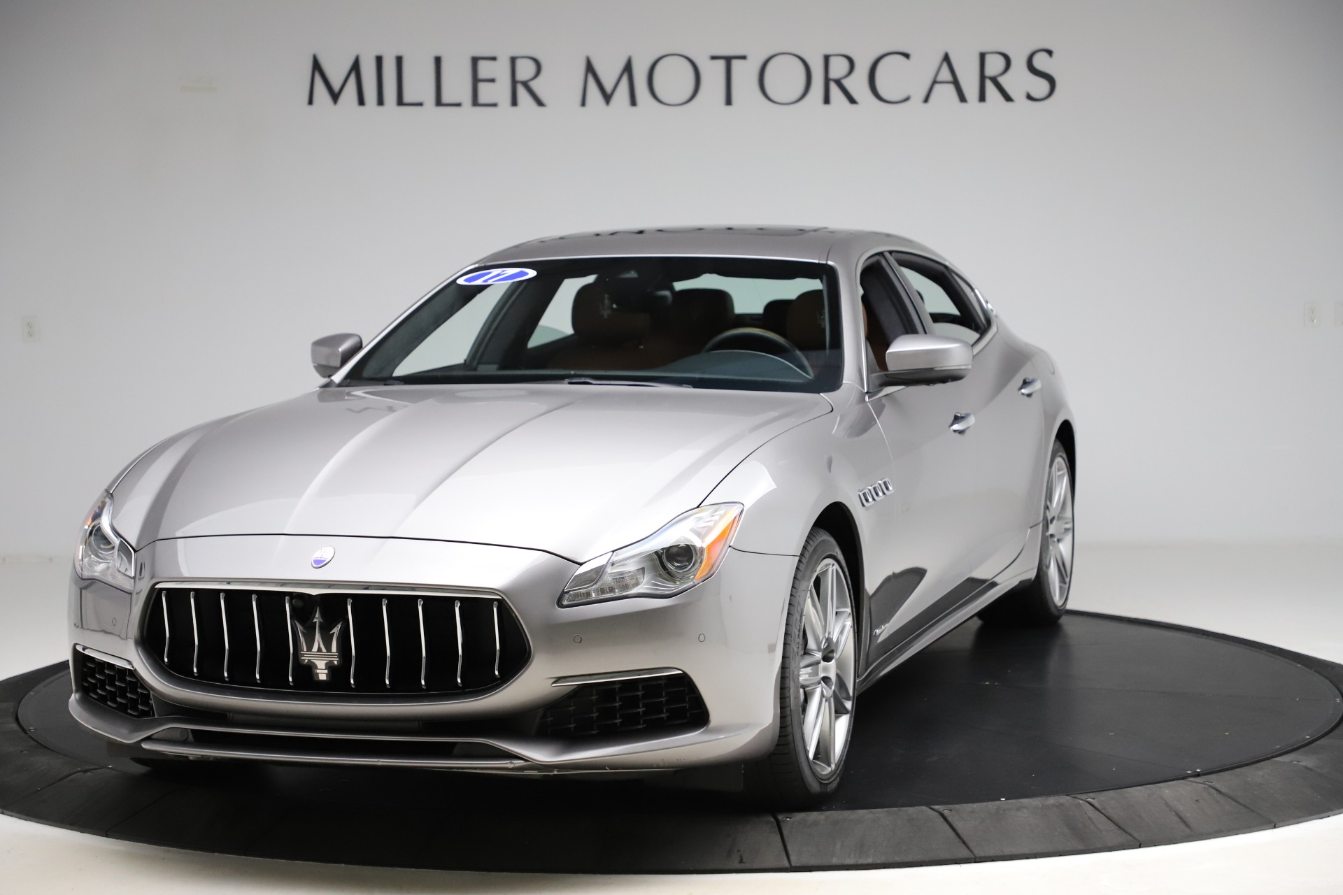 Used 2017 Maserati Quattroporte S Q4 GranLusso for sale $59,900 at McLaren Greenwich in Greenwich CT 06830 1