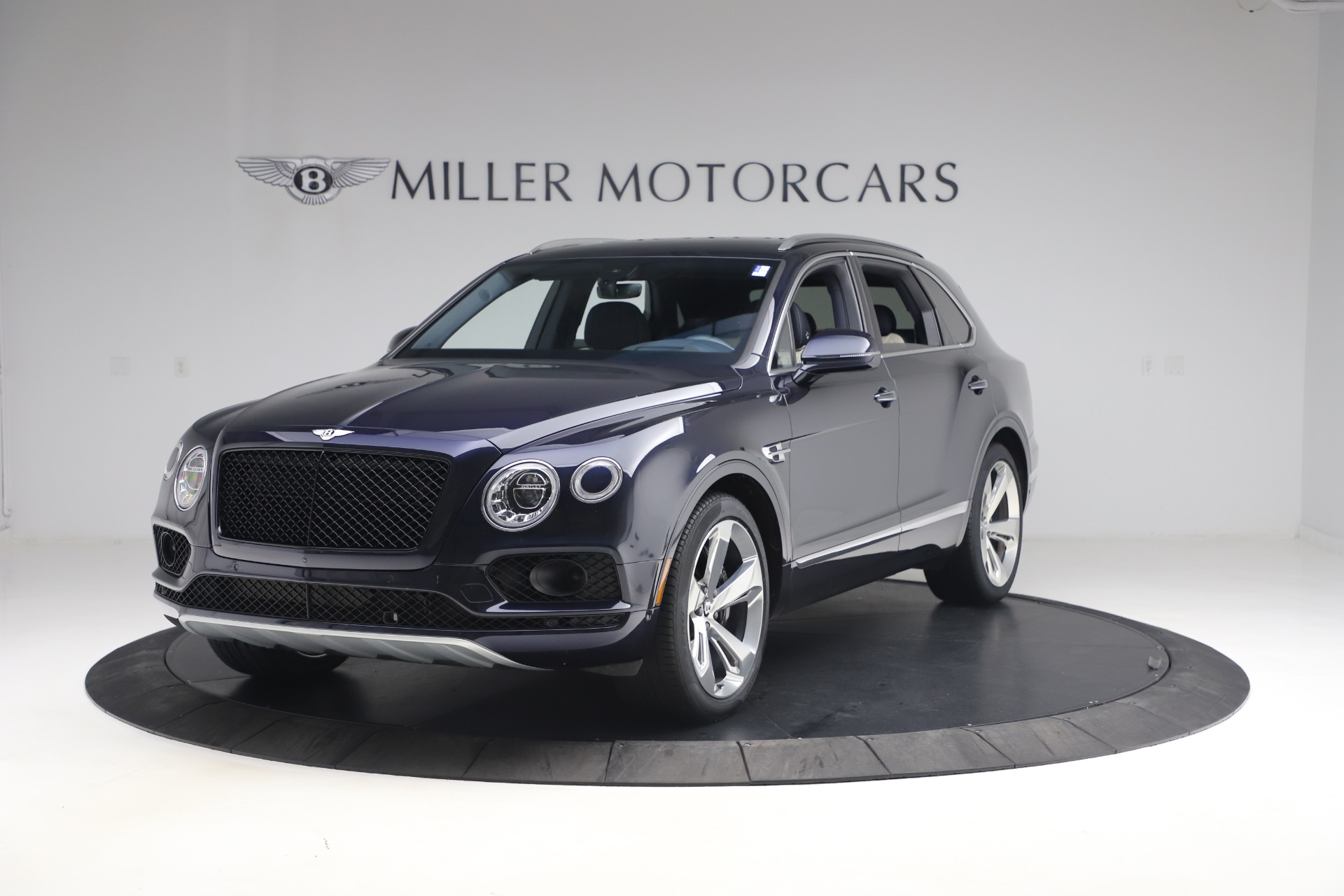 Used 2018 Bentley Bentayga W12 Signature for sale $154,900 at McLaren Greenwich in Greenwich CT 06830 1