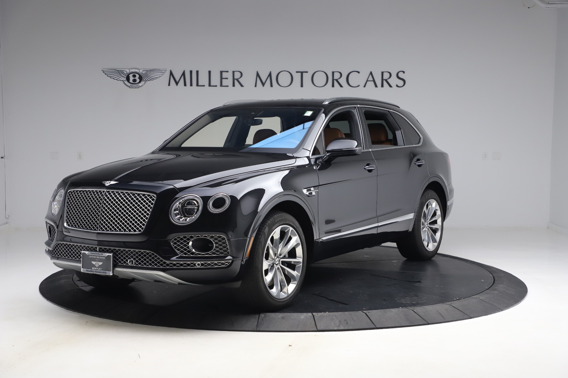 Used 2017 Bentley Bentayga W12 for sale $126,900 at McLaren Greenwich in Greenwich CT 06830 1
