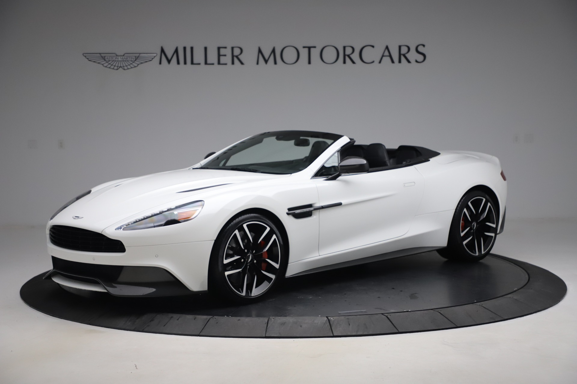 Used 2015 Aston Martin Vanquish Volante for sale $139,900 at McLaren Greenwich in Greenwich CT 06830 1