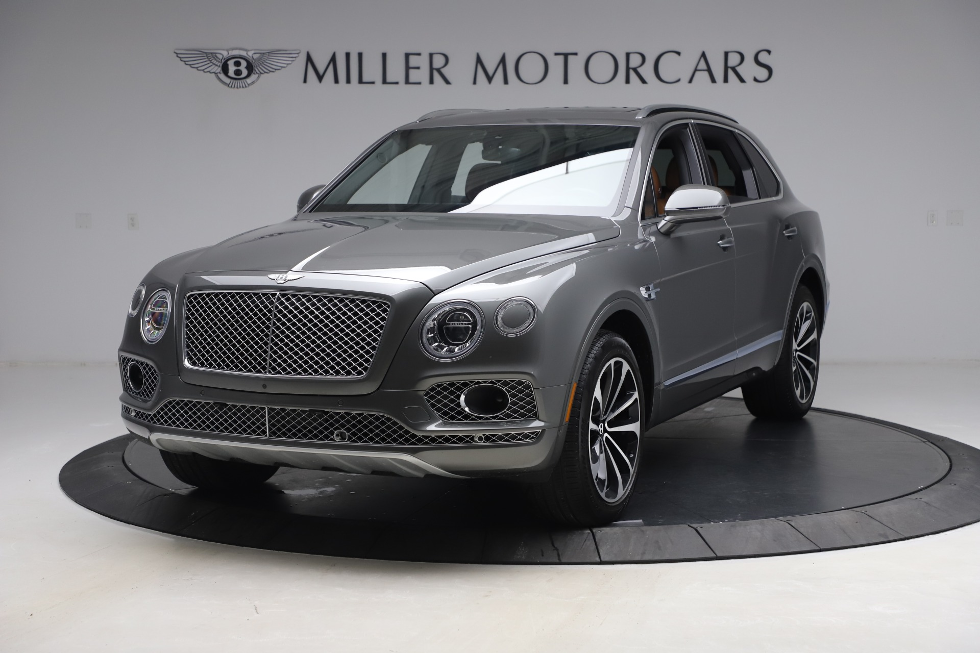 Used 2018 Bentley Bentayga W12 for sale $156,900 at McLaren Greenwich in Greenwich CT 06830 1