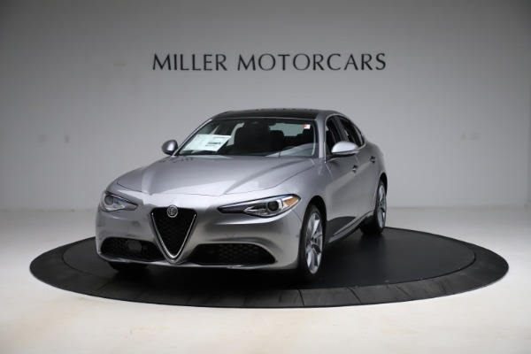 New 2021 Alfa Romeo Giulia Q4 for sale $47,085 at McLaren Greenwich in Greenwich CT 06830 1