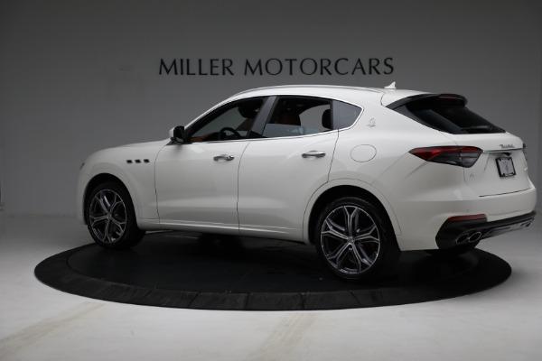 New 2021 Maserati Levante Q4 for sale $85,625 at McLaren Greenwich in Greenwich CT 06830 4