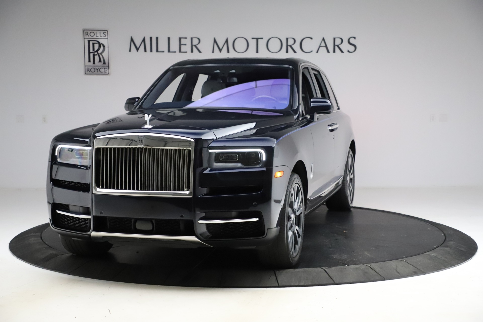 Used 2019 Rolls-Royce Cullinan for sale $349,900 at McLaren Greenwich in Greenwich CT 06830 1