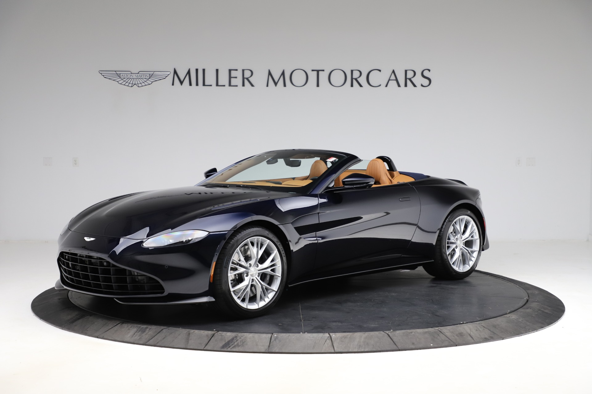 New 2021 Aston Martin Vantage Roadster Convertible for sale $205,686 at McLaren Greenwich in Greenwich CT 06830 1