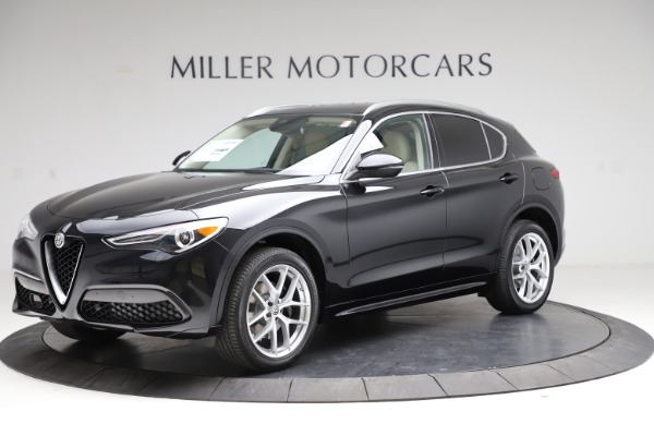New 2021 Alfa Romeo Stelvio Ti Lusso Q4 for sale $57,750 at McLaren Greenwich in Greenwich CT 06830 2