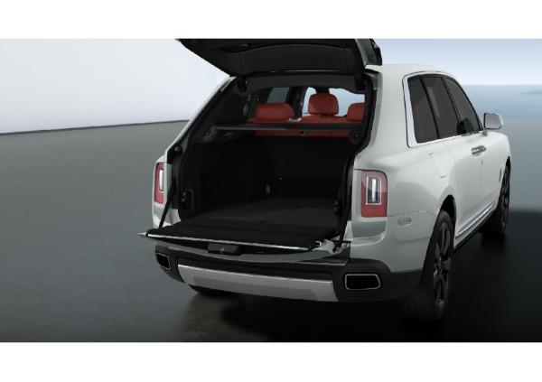 New 2021 Rolls-Royce Cullinan for sale $391,375 at McLaren Greenwich in Greenwich CT 06830 4