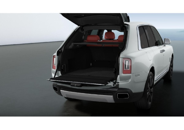 New 2021 Rolls-Royce Cullinan for sale $383,850 at McLaren Greenwich in Greenwich CT 06830 3