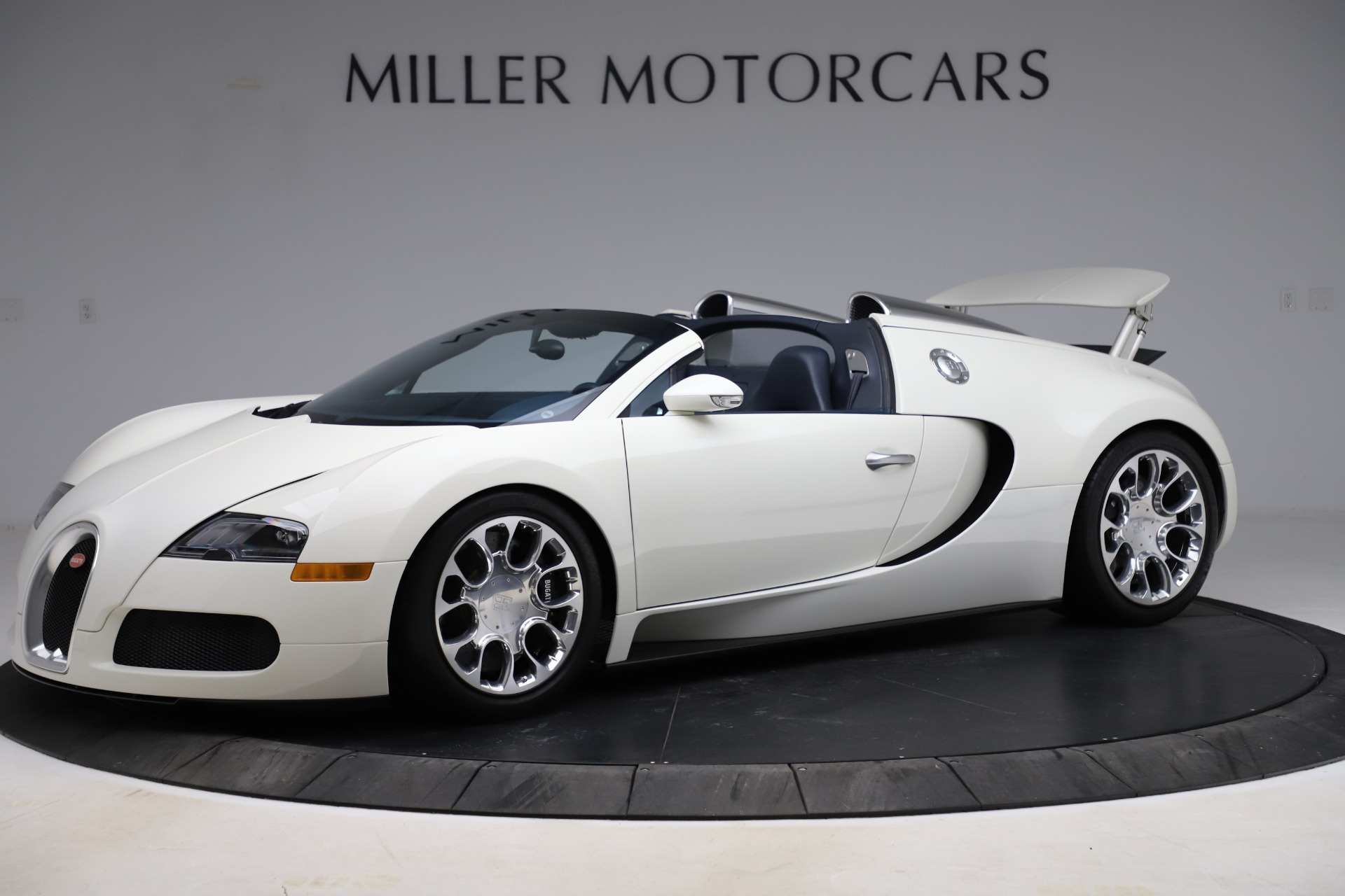 Used 2010 Bugatti Veyron 16.4 Grand Sport for sale Call for price at McLaren Greenwich in Greenwich CT 06830 1