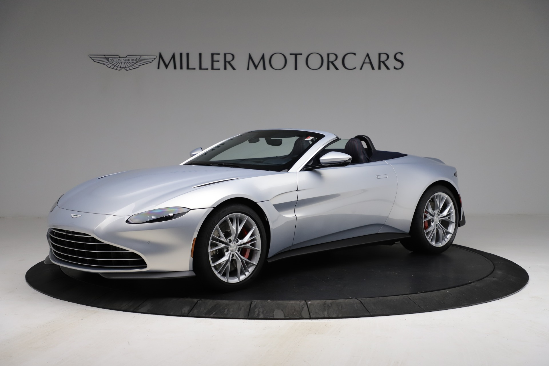 New 2021 Aston Martin Vantage Roadster for sale $184,286 at McLaren Greenwich in Greenwich CT 06830 1