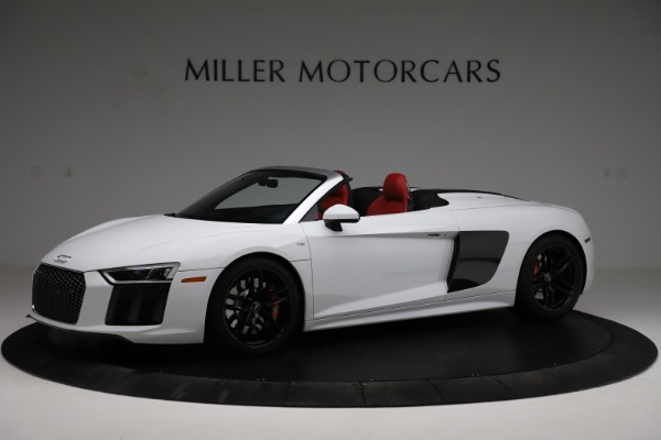 Used 2018 Audi R8 Spyder for sale $154,900 at McLaren Greenwich in Greenwich CT 06830 2
