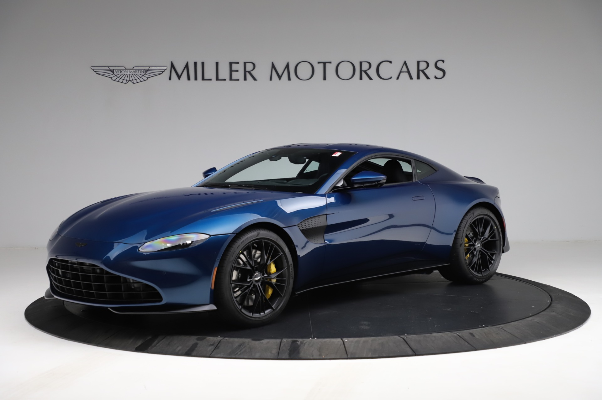 New 2021 Aston Martin Vantage Coupe for sale $179,386 at McLaren Greenwich in Greenwich CT 06830 1