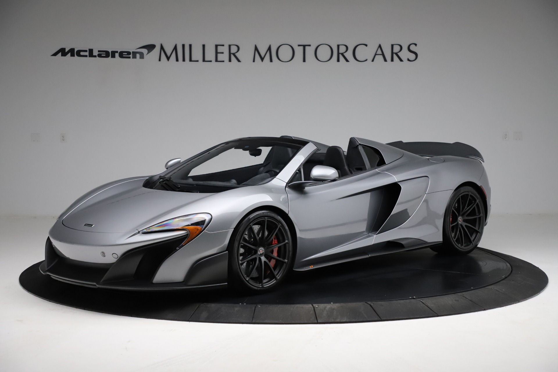 Used 2016 McLaren 675LT Spider for sale $275,900 at McLaren Greenwich in Greenwich CT 06830 1