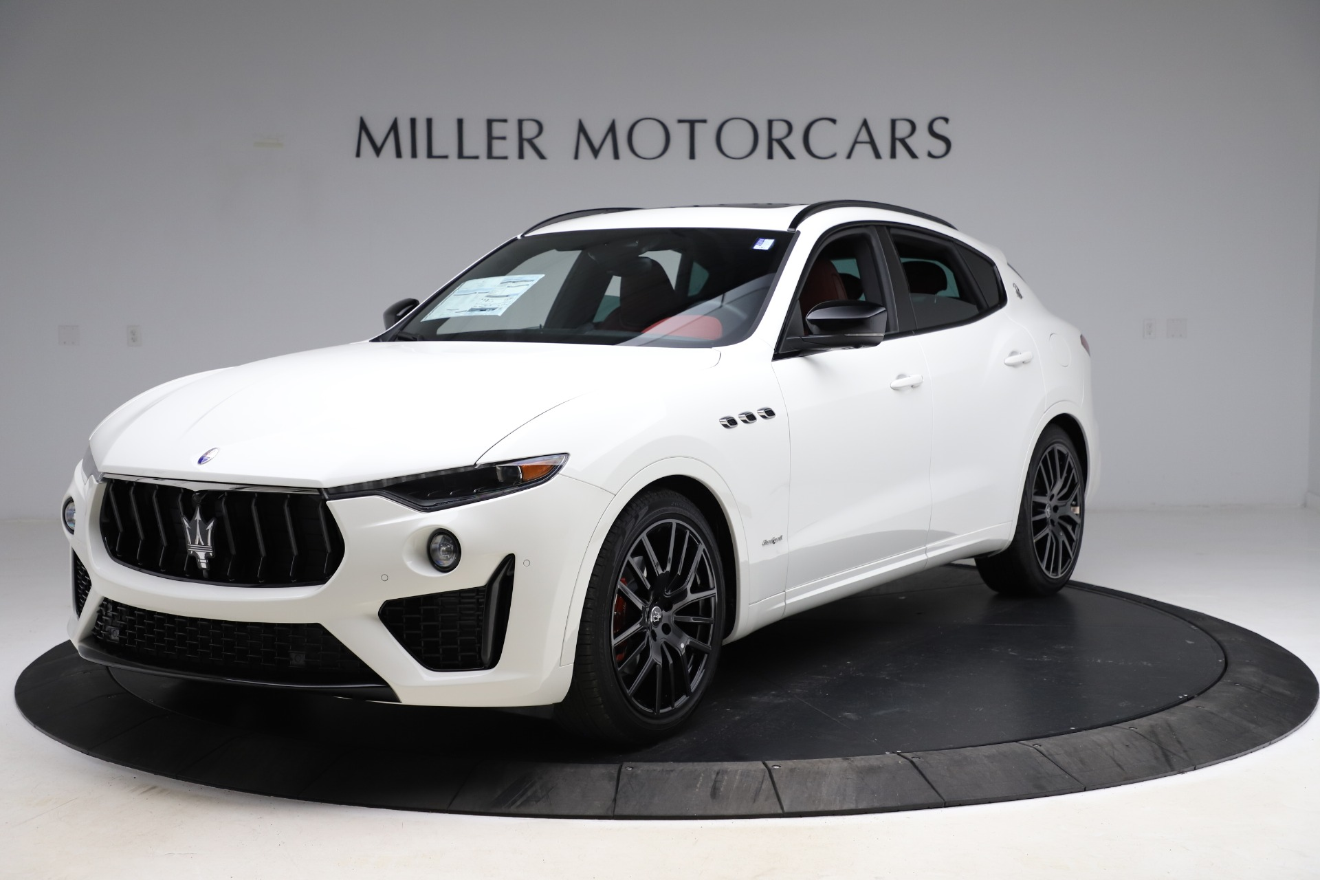 New 2021 Maserati Levante Q4 GranSport for sale $95,835 at McLaren Greenwich in Greenwich CT 06830 1