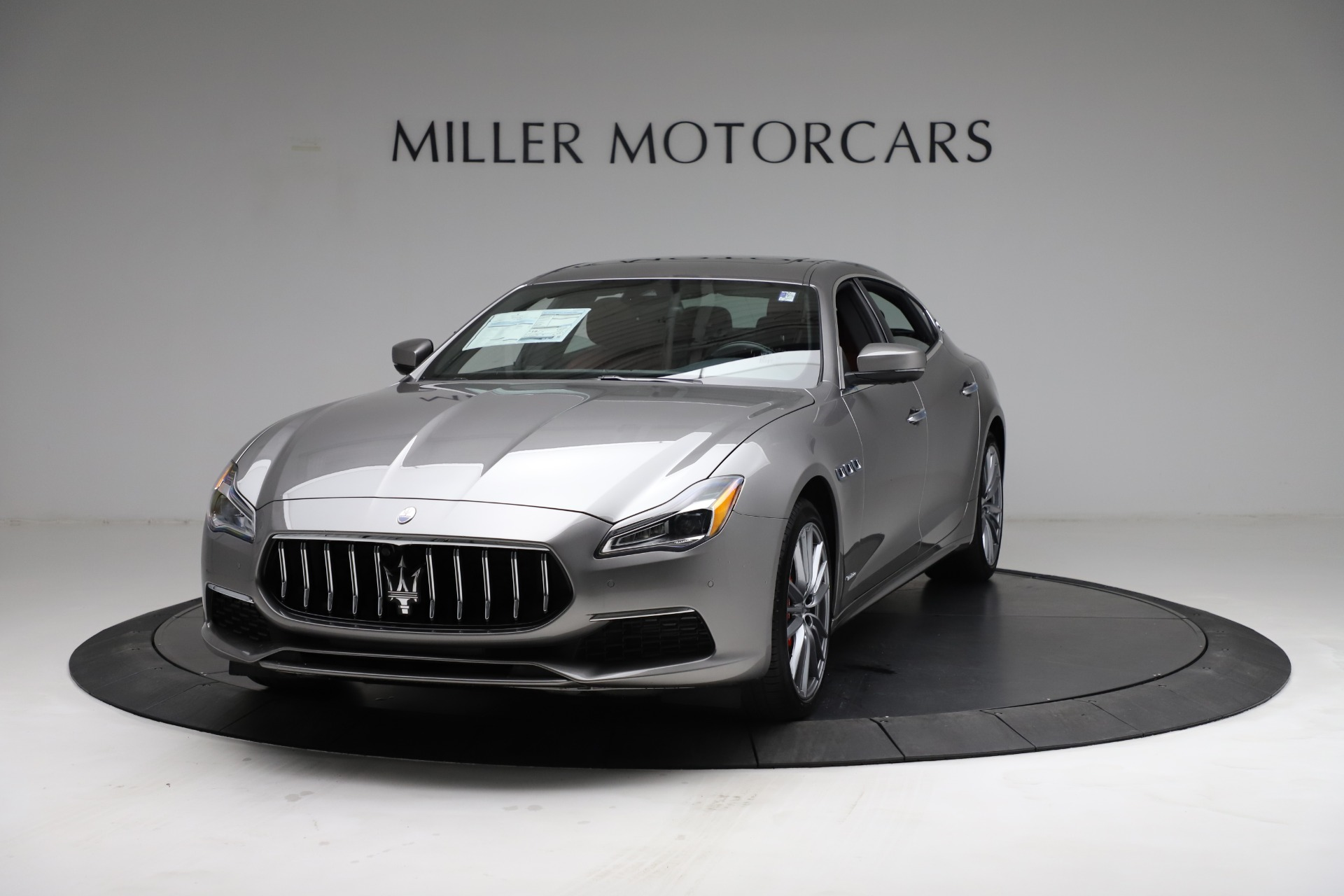 New 2021 Maserati Quattroporte S Q4 GranLusso for sale $122,435 at McLaren Greenwich in Greenwich CT 06830 1
