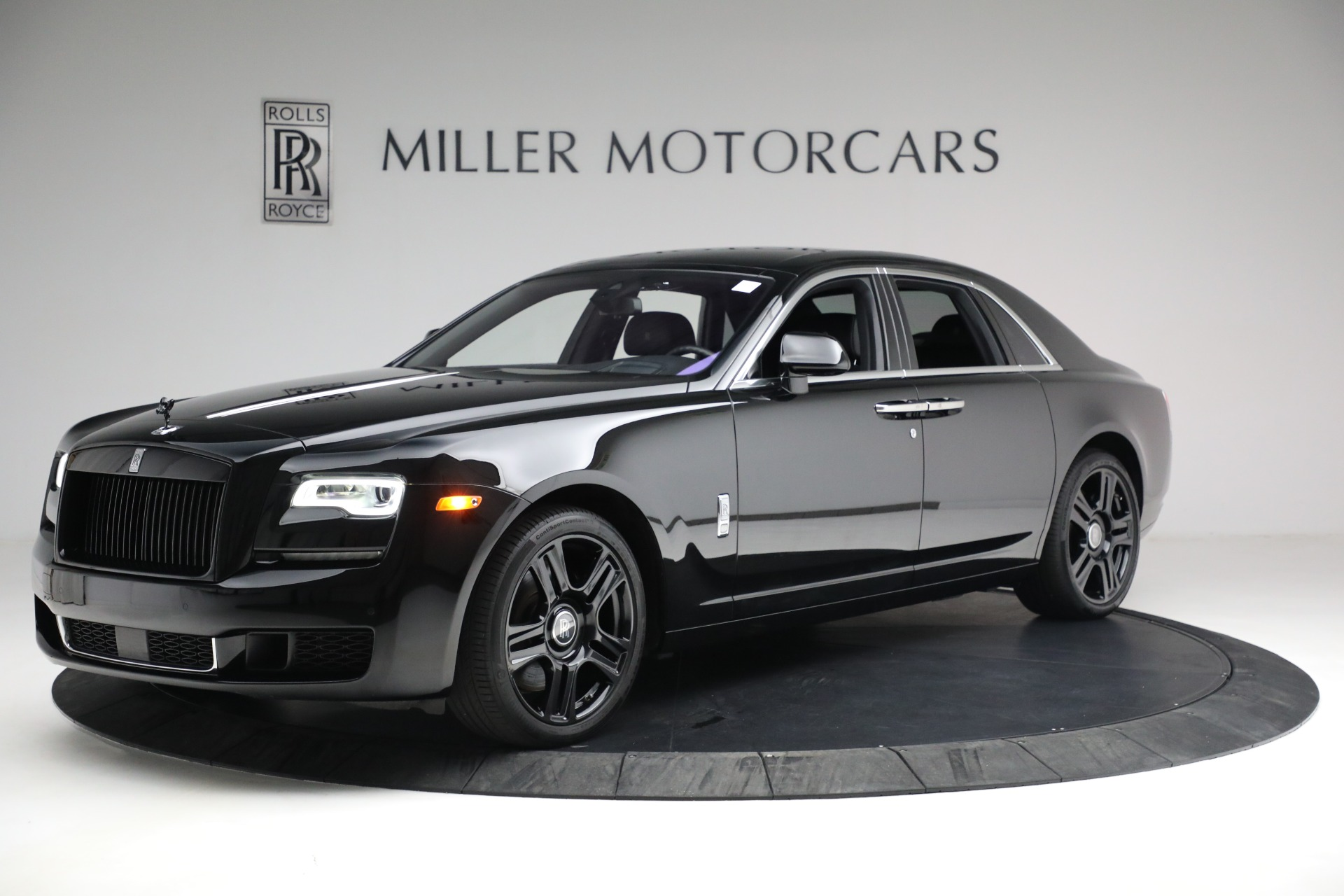 Used 2018 Rolls-Royce Ghost for sale $249,900 at McLaren Greenwich in Greenwich CT 06830 1