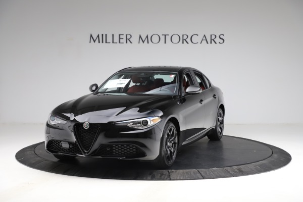 New 2021 Alfa Romeo Giulia Q4 for sale $48,535 at McLaren Greenwich in Greenwich CT 06830 1