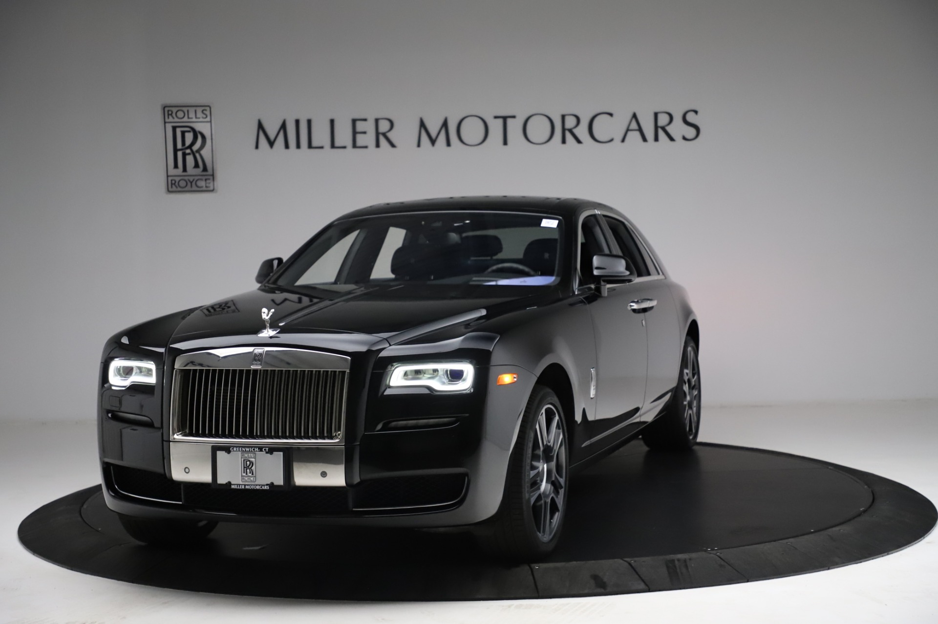 Used 2017 Rolls-Royce Ghost for sale $209,900 at McLaren Greenwich in Greenwich CT 06830 1