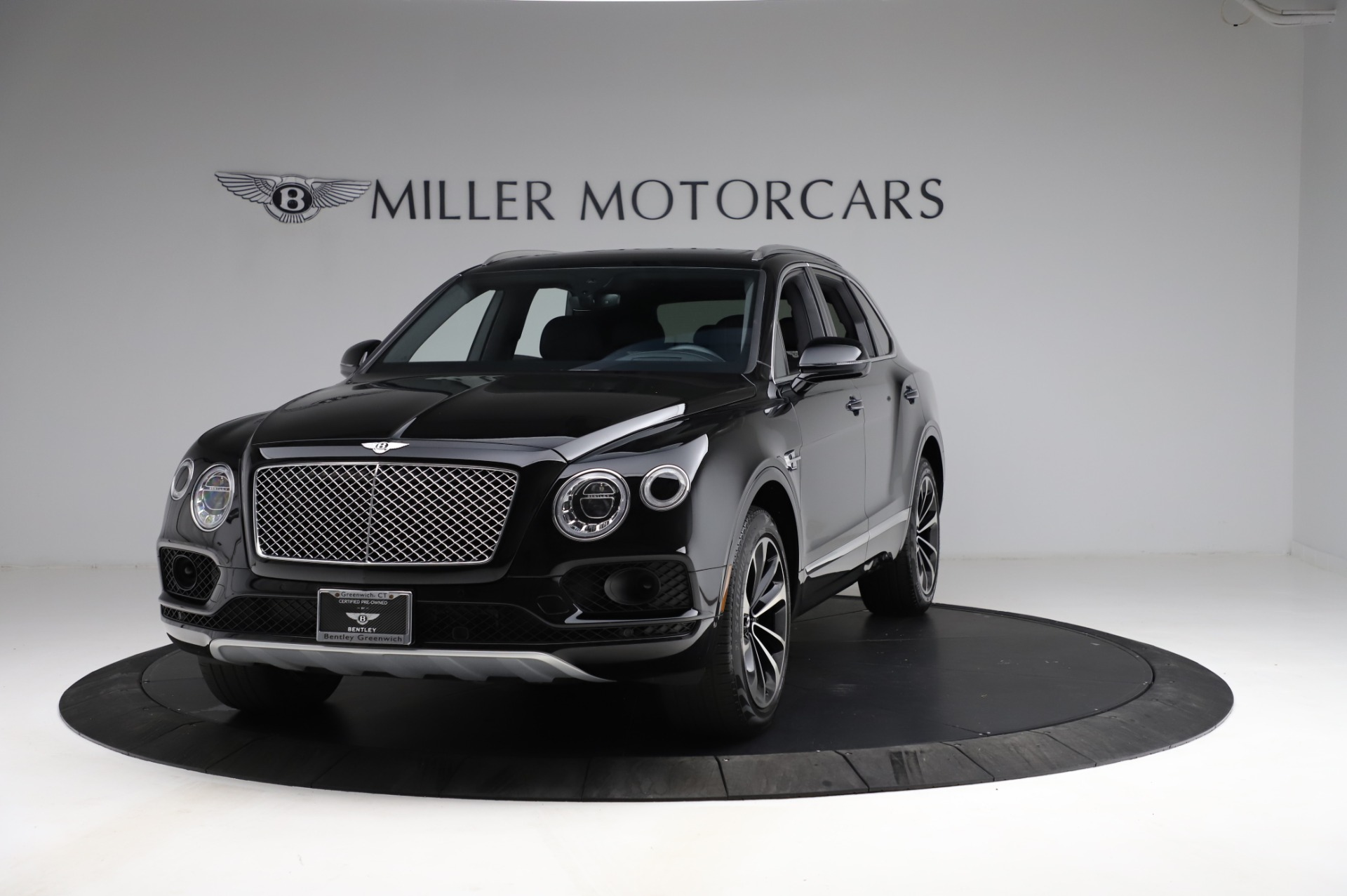 Used 2018 Bentley Bentayga Onyx Edition for sale $149,900 at McLaren Greenwich in Greenwich CT 06830 1