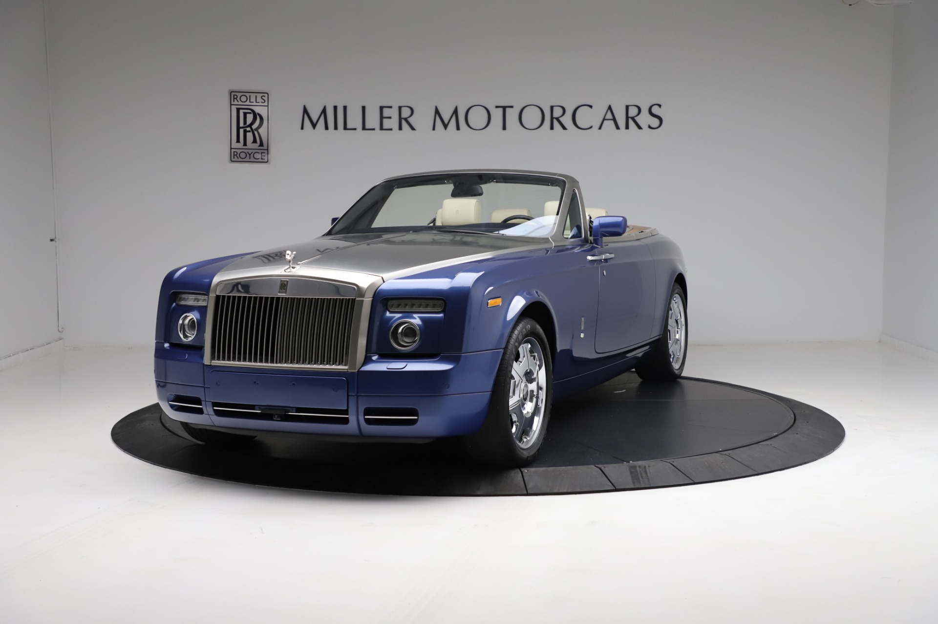 Used 2009 Rolls-Royce Phantom Drophead Coupe for sale $219,900 at McLaren Greenwich in Greenwich CT 06830 1